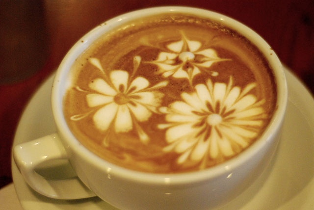 Fancy Flowers Coffee Art Design // Creative 3D Coffee Latte Art Pictures, Images & Designs