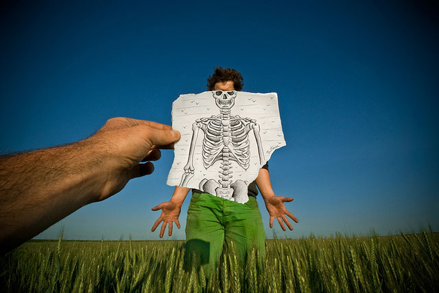 X-ray Sketch Photo // Pencil Photography Drawing, Pencil vs Camera Ideas by Ben Heine