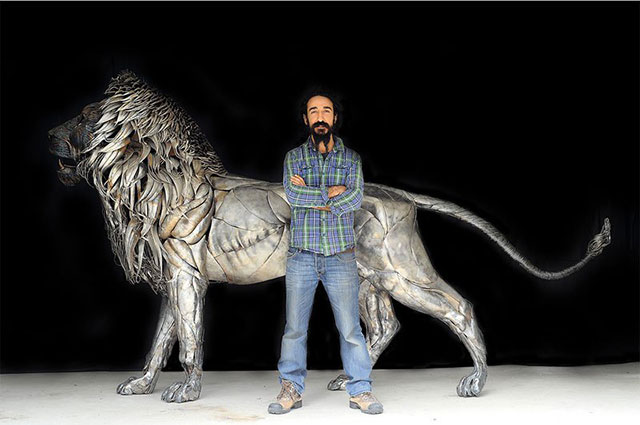 Hammered Scrap Metal Lion Sculpture | 10 Creative & Famous Lion Sculptures Outdoor