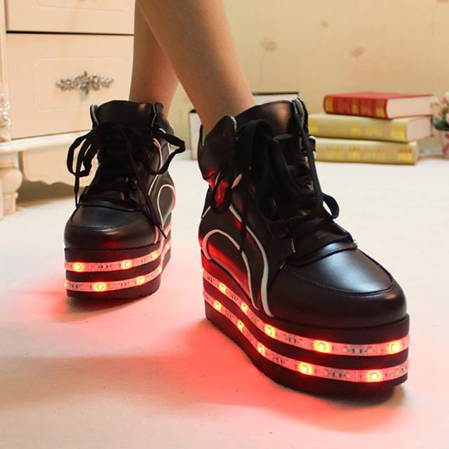 Dual LED Light Up Platform Shoes    10 LED Shoes That Light Up At The 1613ee2a9