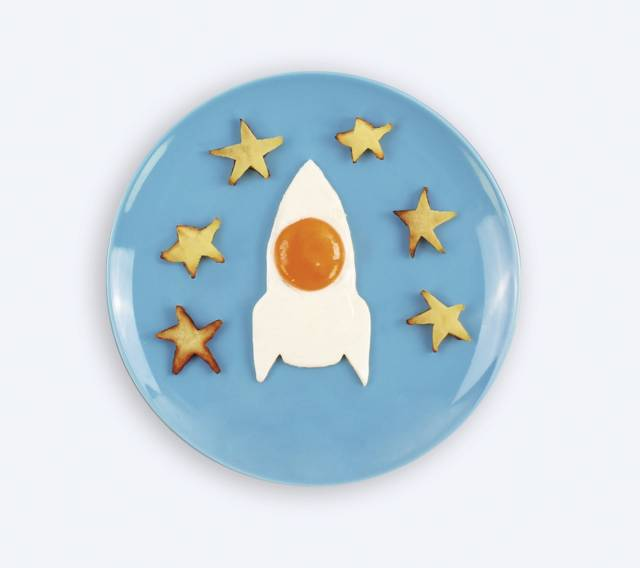 The Space Rocket Egg Mold // 10 Creative EGG Molds For Fried & Boiled Eggs That You Really Need To Try