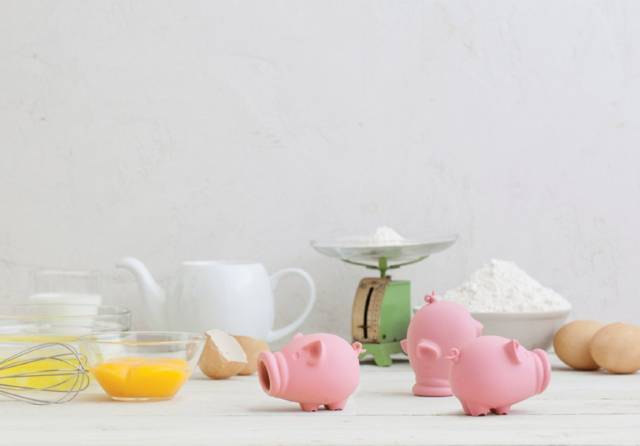 The Cute YolkPig Egg Separator // 10 CREATIVE Egg Gadgets That Will Make Your Cooking Magical