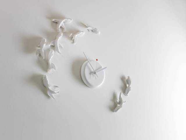 Beautiful Swimming Goldfish Clock // 10 MOST Creative Clocks You'll Want In Your Home