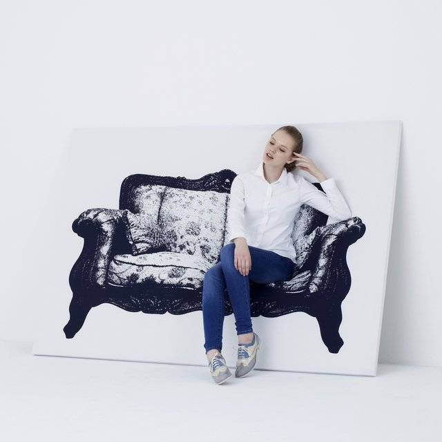 Creative Canvas Furniture Sofa Chair // 10 CREATIVE Art Lover Gifts For An Artistic Christmas & Beyond