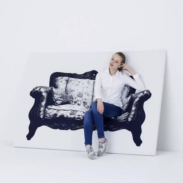 Creative Canvas Furniture Sofa Chair // 10 CREATIVE Art Lover Gifts For An Artistic Christmas & Beyond