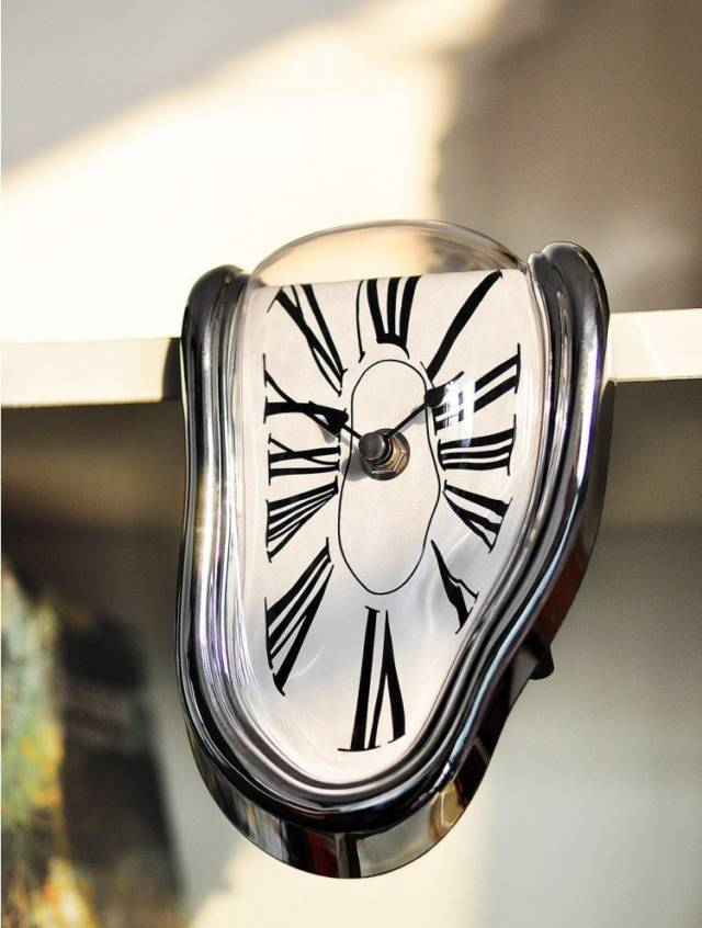 Whimsical & Unique Melting Clock Design // 10 CREATIVE Art Lover Gifts That Will Appeal To Your Inner Artist