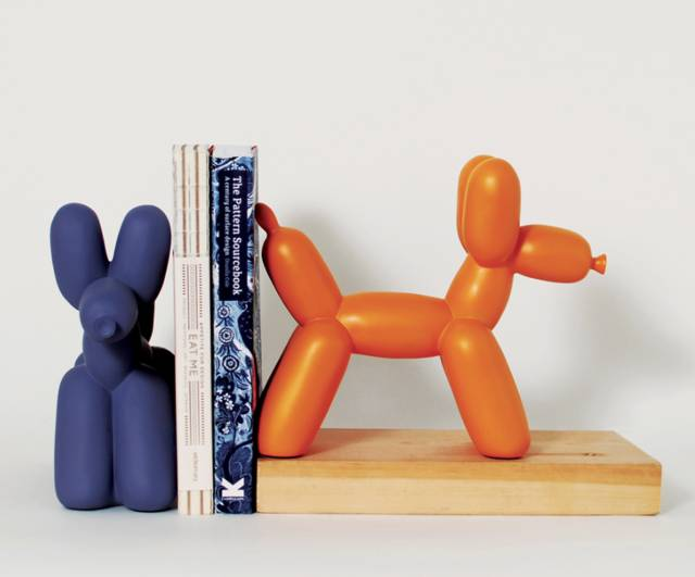 Big Top Balloon Dog Creative Bookends // 10 CREATIVE Art Lover Gifts For An Artistic Christmas & Beyond