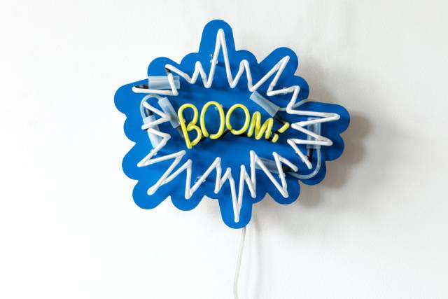 Cool Vintage BOOM Neon Sign // 10 Cool NEON Art Lights That Will Transform Your Walls Forever