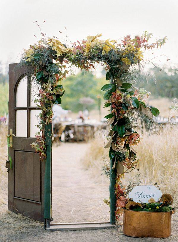 Autumn Wedding With Modern Door Backdrop In The Fields 10 Rustic Old